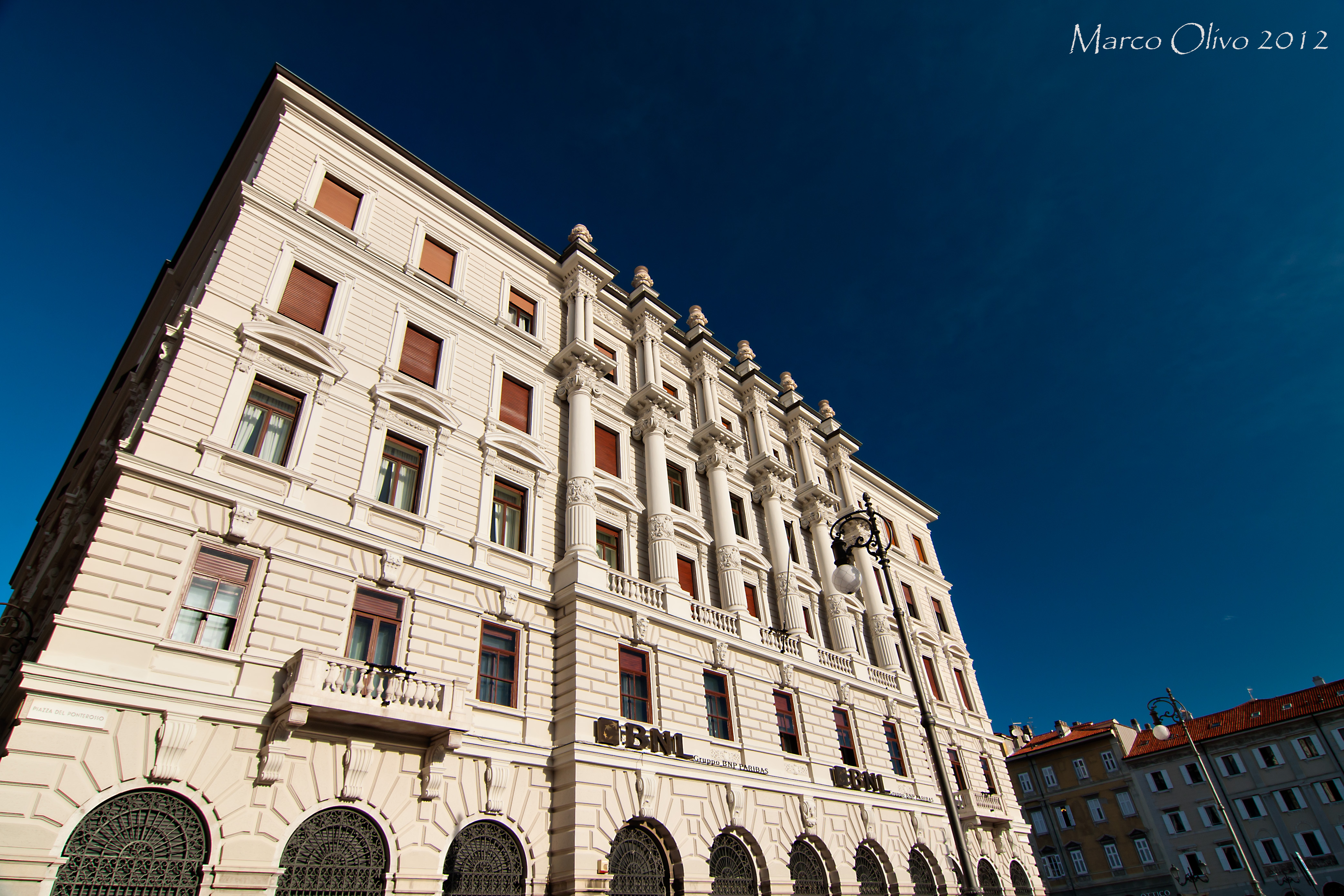 Palazzo genel for Piani di palazzi contemporanei