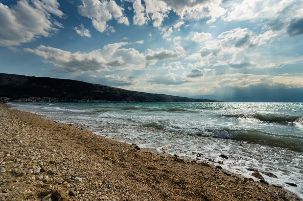 La spiaggia di Baska copia