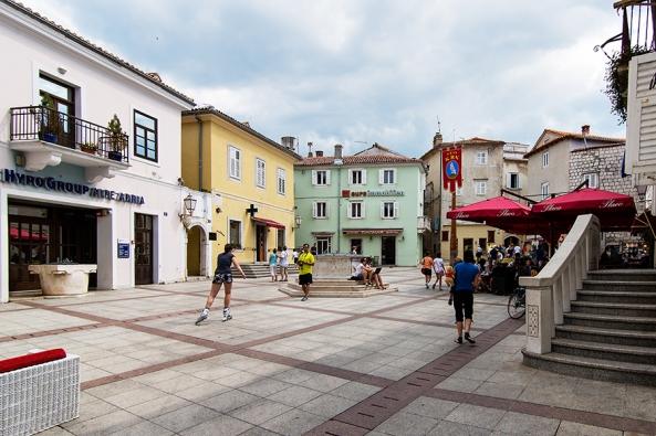 Piazza a Krk copia